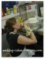 student learning cake decorating