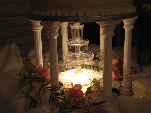 water fountain wedding cake flashy wedding cakes with fountains for the adventurous 21676