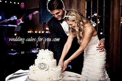 who cuts the wedding cake first wedding cake prices and a guide to the best ideas on a budget 27429