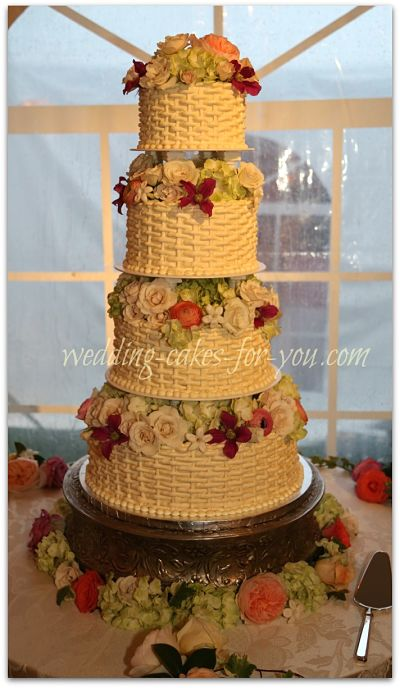 A 4 Tiered Nantucket Basketweave Wedding Cake