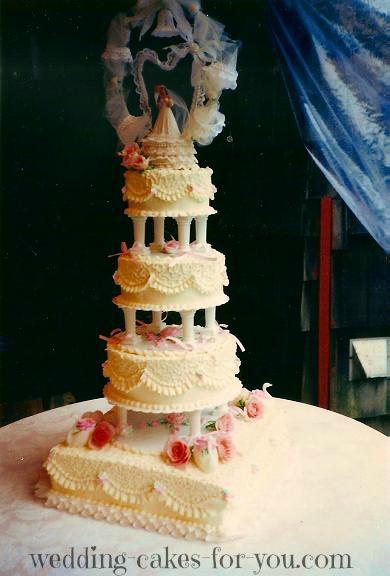 Vintgae wedding anniversary cake