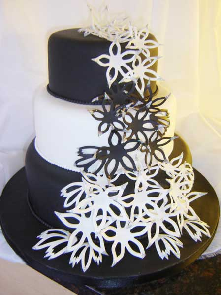 Black and White Wedding Cakes Gallery