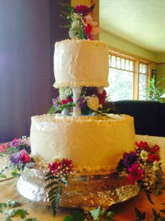 Two Tiered Cake on Pillars