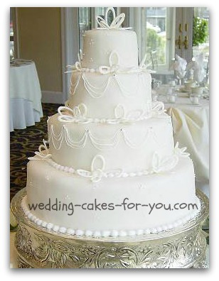 decorating wedding cakes with royal icing fondant cake decorating and cake decoration guidance from 13416