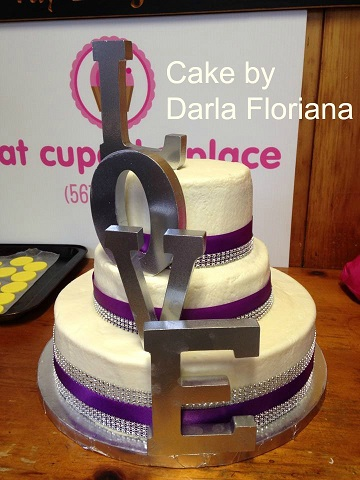 Wedding Cake by Darla
