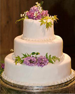 decorate wedding cake fresh flowers