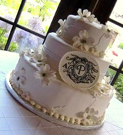 Design Your Own Wedding Cake. By Colleen Charles (Clark Lake, MIchigan,  USA). Less Is More