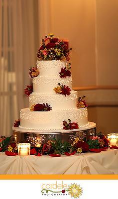burgundy wedding cake design