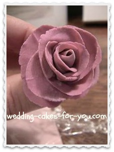 A fondant rose completed