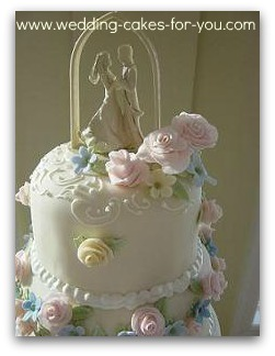 how do you make a wedding cake make spectacular fondant flowers and exqusite roses easily 15390