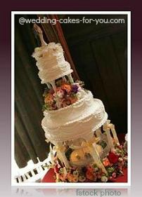 wedding cake with a fountain