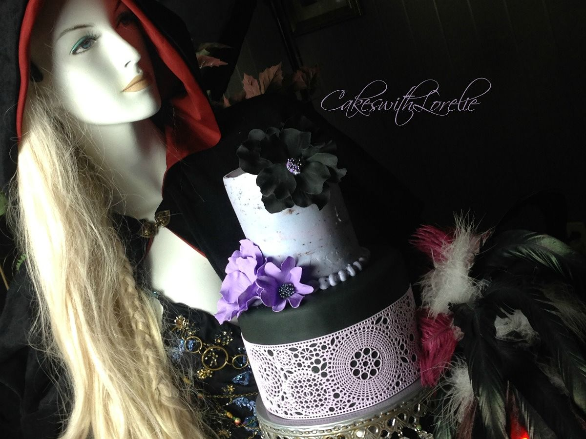Gothic wedding cake and mannequin