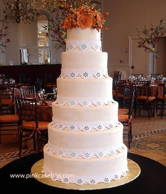 how to stack a 3 tier wedding cake with pillars how to stack tiered cakes 16148