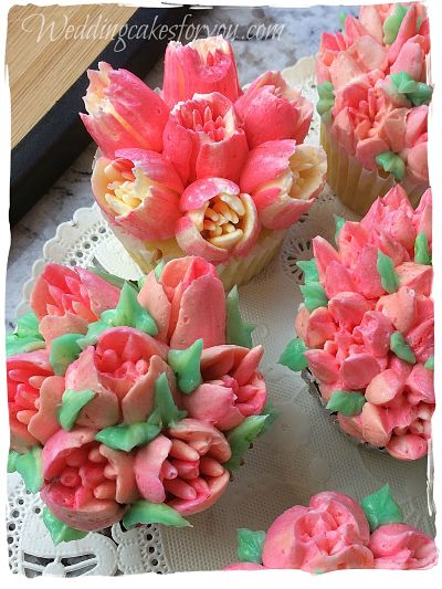 Pink cake decorating flowers