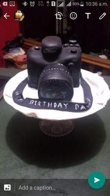 Camera Cake by Danya Ho