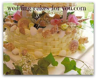 basketweave and seashell wedding cake
