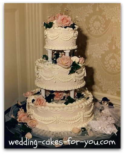 Wedding Cakes With Pillars And Roses