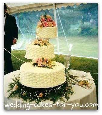 2 tier floating wedding cake stand floating cake stand wedding cakes mini bridal 10131
