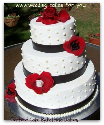 buttercream wedding cake with fondant ribbon