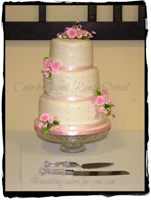 dotted swiis wedding cake by Jacqui Randy Stanzel