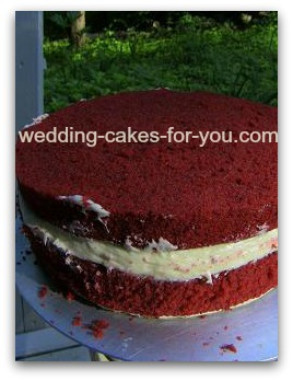 red velvet cake with cream cheese filling