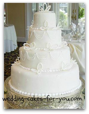 Elegant fondant wedding cake