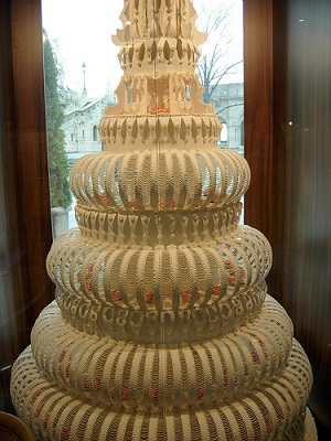 biggest wedding cake