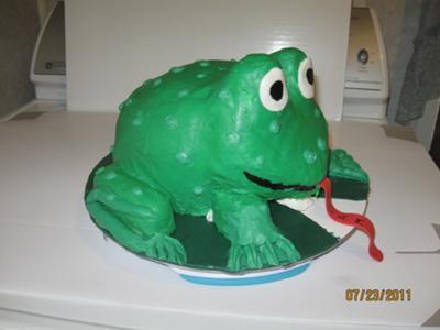 A frog cake I carved out