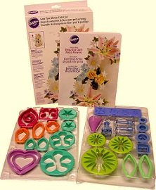 Great book and tool kit for making gumpaste and fondant flowers