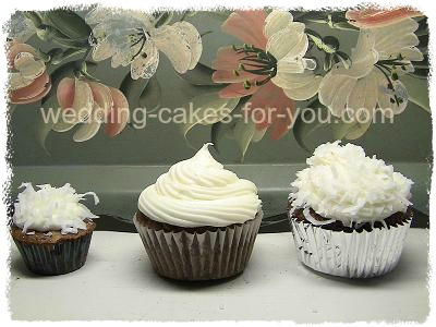 carrot cake icing on cupcakes