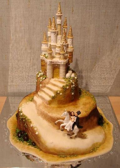 castle wedding cake fairytale