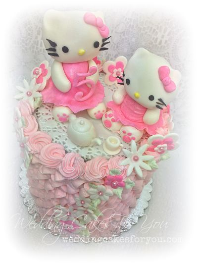 Hello kitty cake design