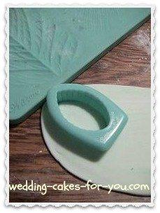 Wilton gumpaste leaf cutter  tool
