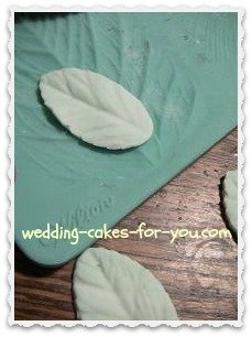 Gumpaste leaf on a Wilton impression mat