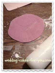Fondant rolled out thin