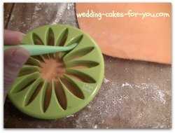 Large Daisy gumpaste cutter