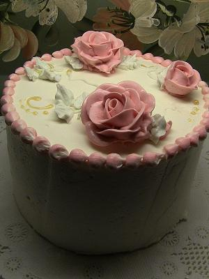 Buttercream Roses made with Italian meringue are not as sharp