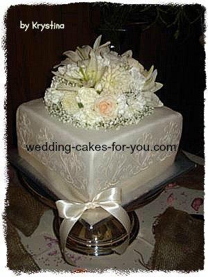 ivory stenciled wedding cake