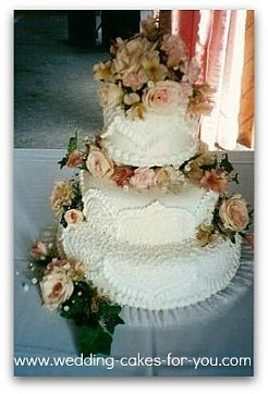 fondant cake with royal icing cake decoration
